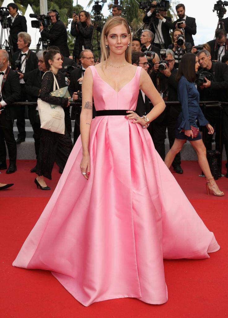 Chiara Ferragni con abito rosa shocking firmato Alberta Ferretti