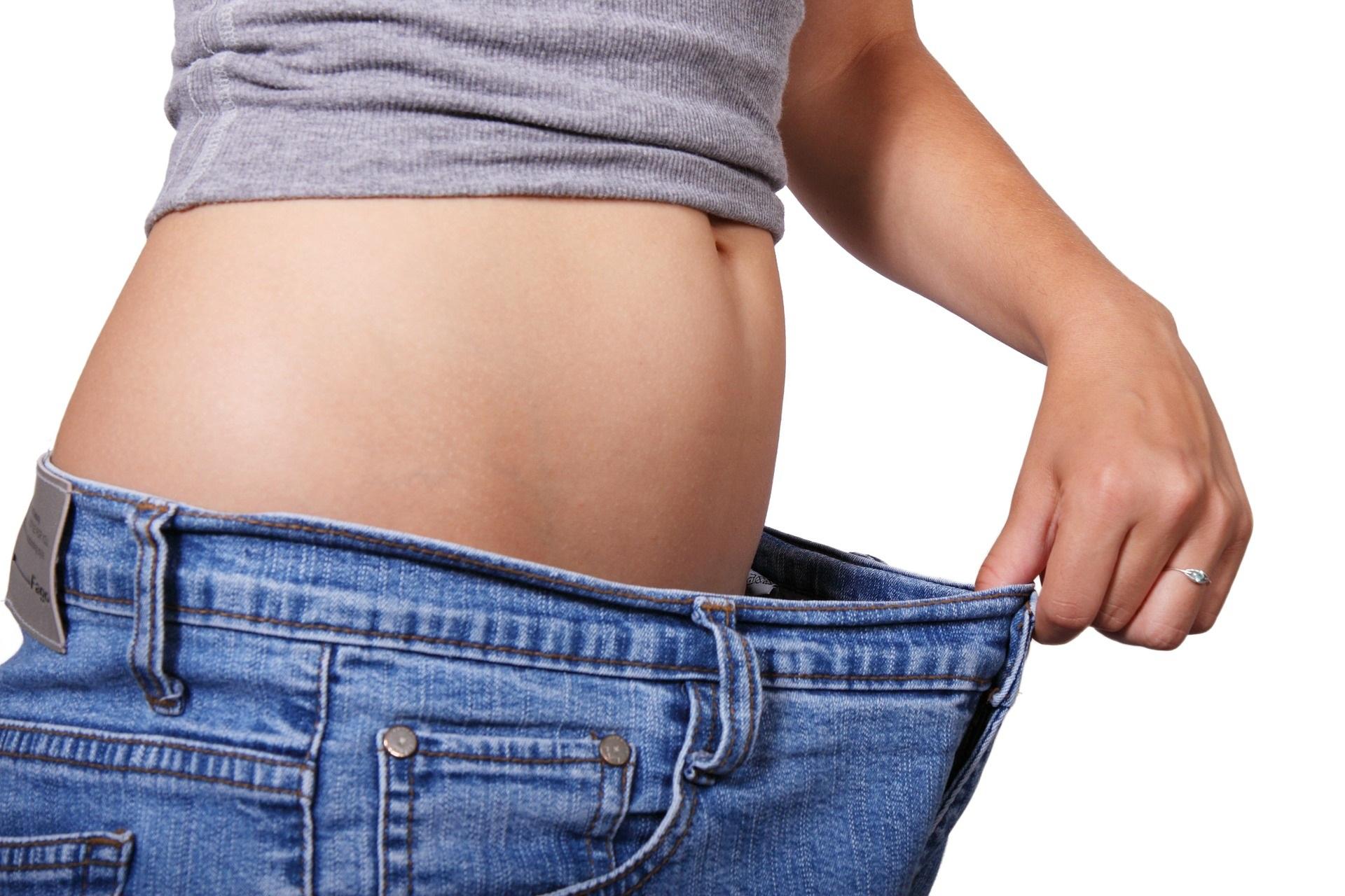 Esercizi cardio in casa senza attrezzi: per dimagrire senza andare in palestra