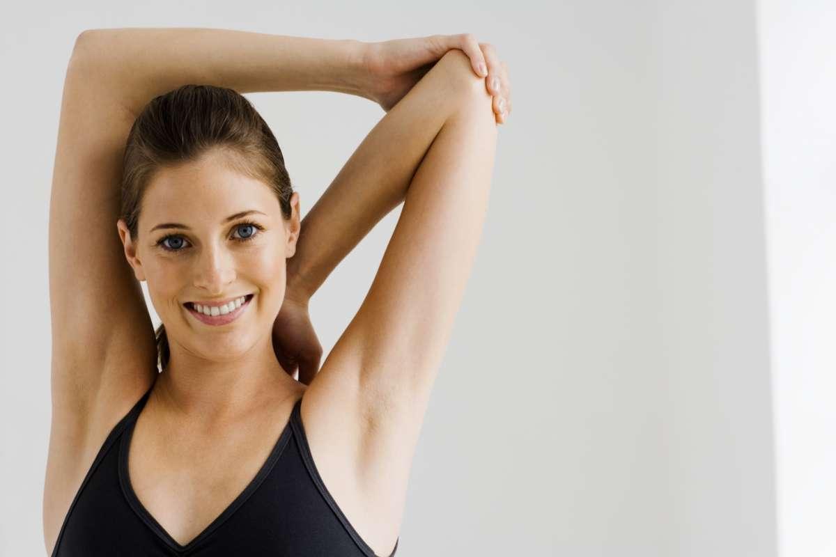 Cervicale: sintomi, rimedi naturali, cure ed esercizi