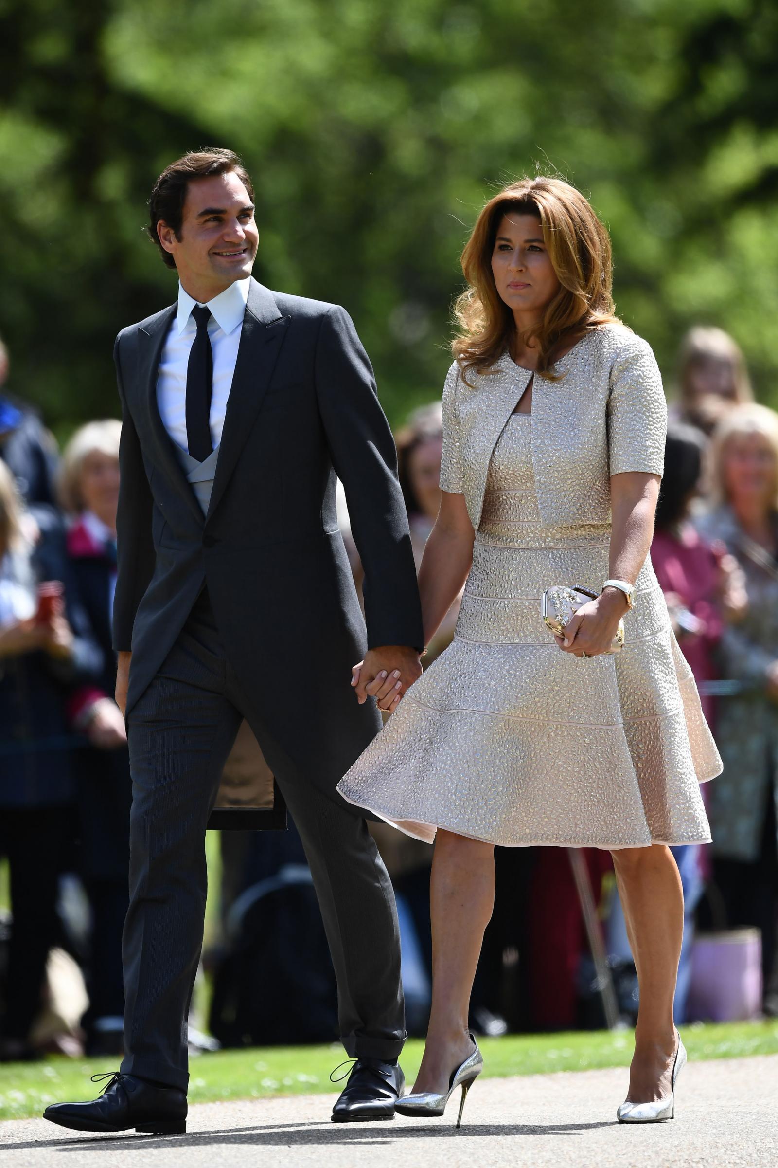 L'arrivo di Roger Federer e moglie al matrimonio di Pippa Middleton