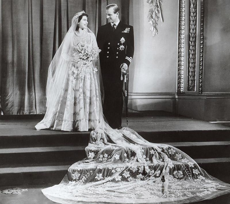 l'abito da sposa di elisabetta II