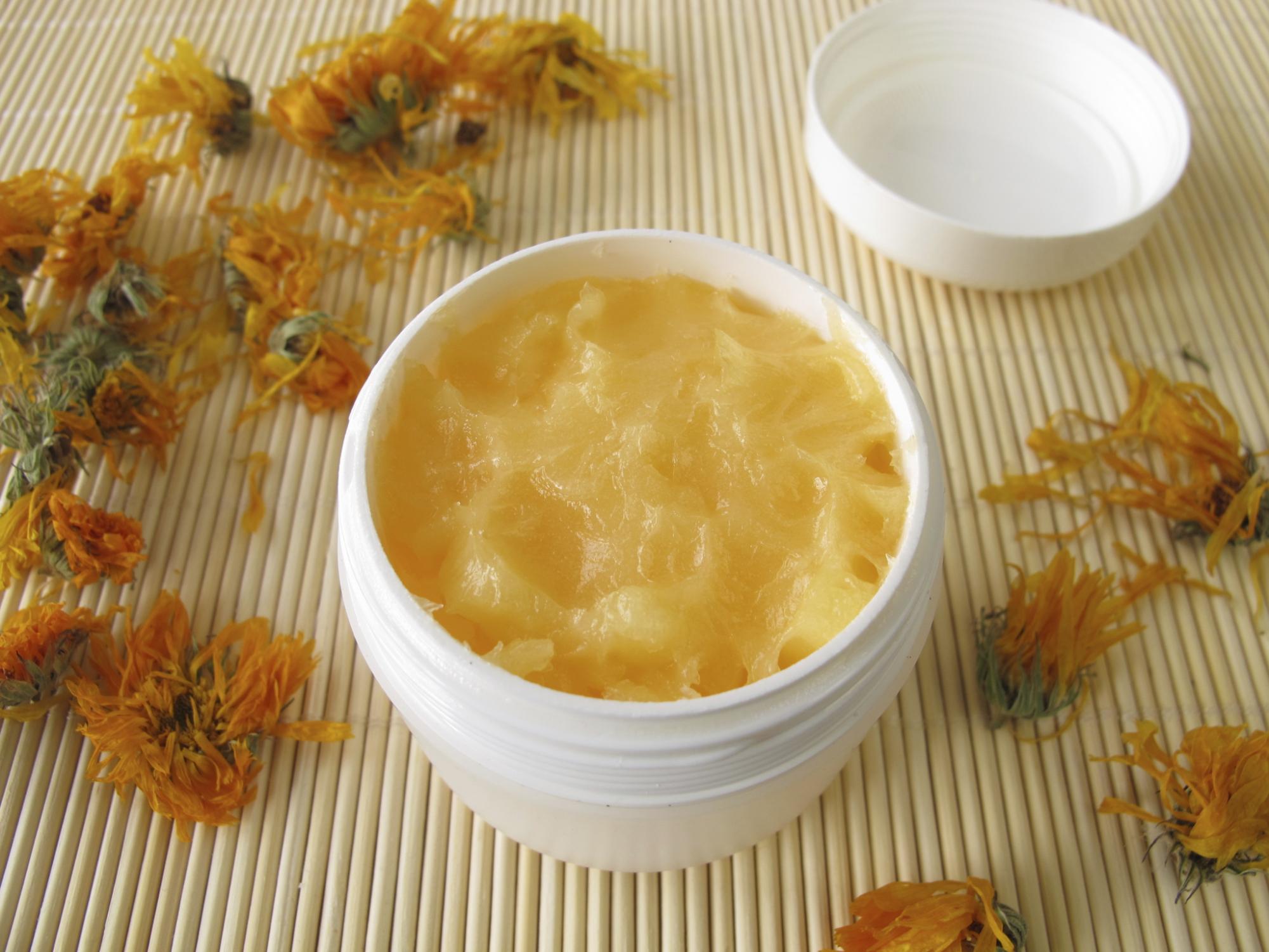 ricetta crema viso fai da te cera d'api