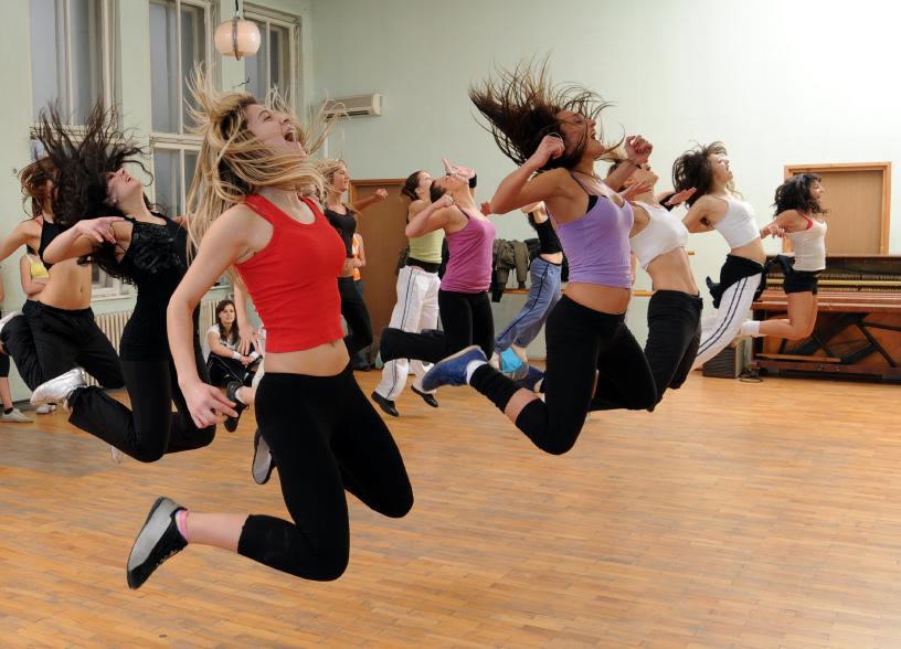 Zumba fitness, cos'è? Lo sport che fa dimagrire divertendosi