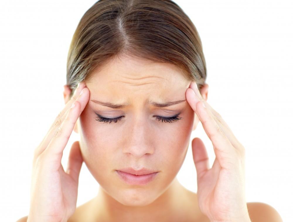 Mal di testa con dolore alle tempie cause rimedi