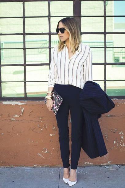 Pantaloni a sigaretta e camicia