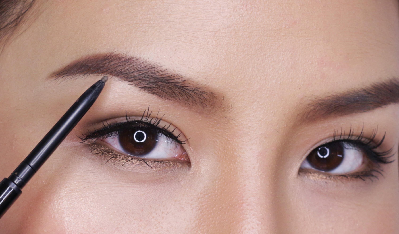 Quale forma di sopracciglia è perfetta per il tuo viso? [TEST]