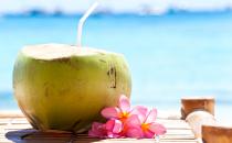 Acqua di cocco, come usarla? Proprietà e benefici di bellezza