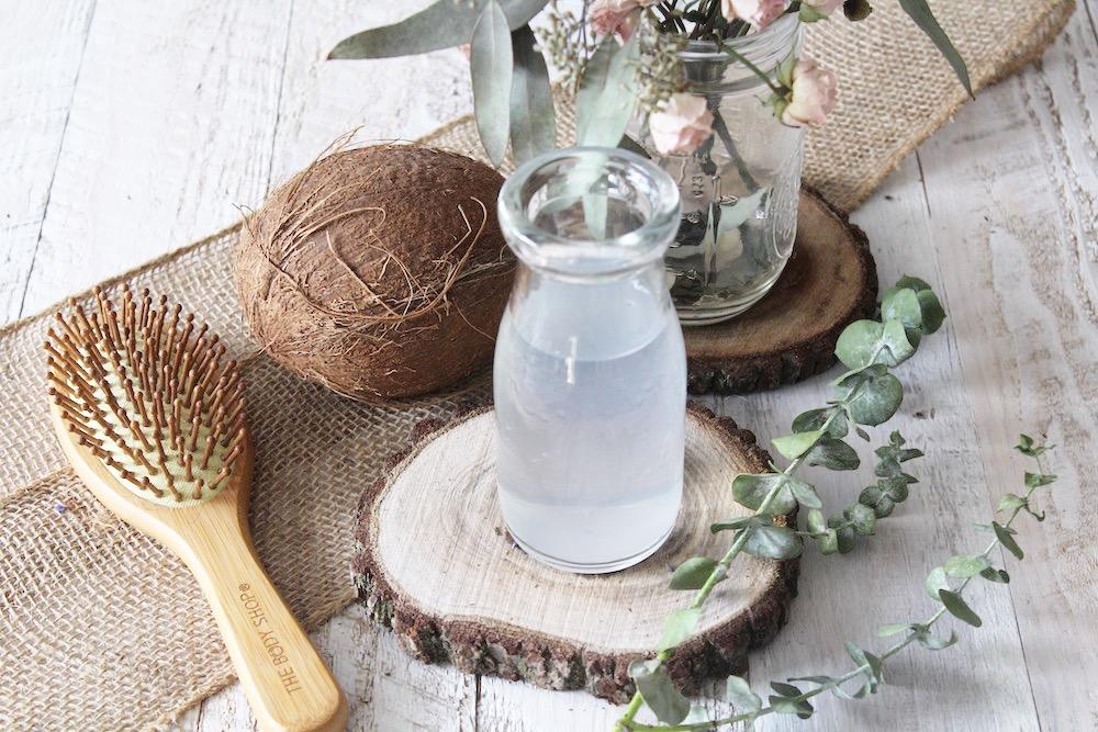 acqua di cocco per capelli