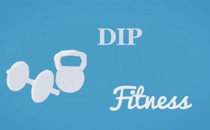 Esercizi tricipiti per donne da fare a casa: l'allenamento fai da te senza pesi