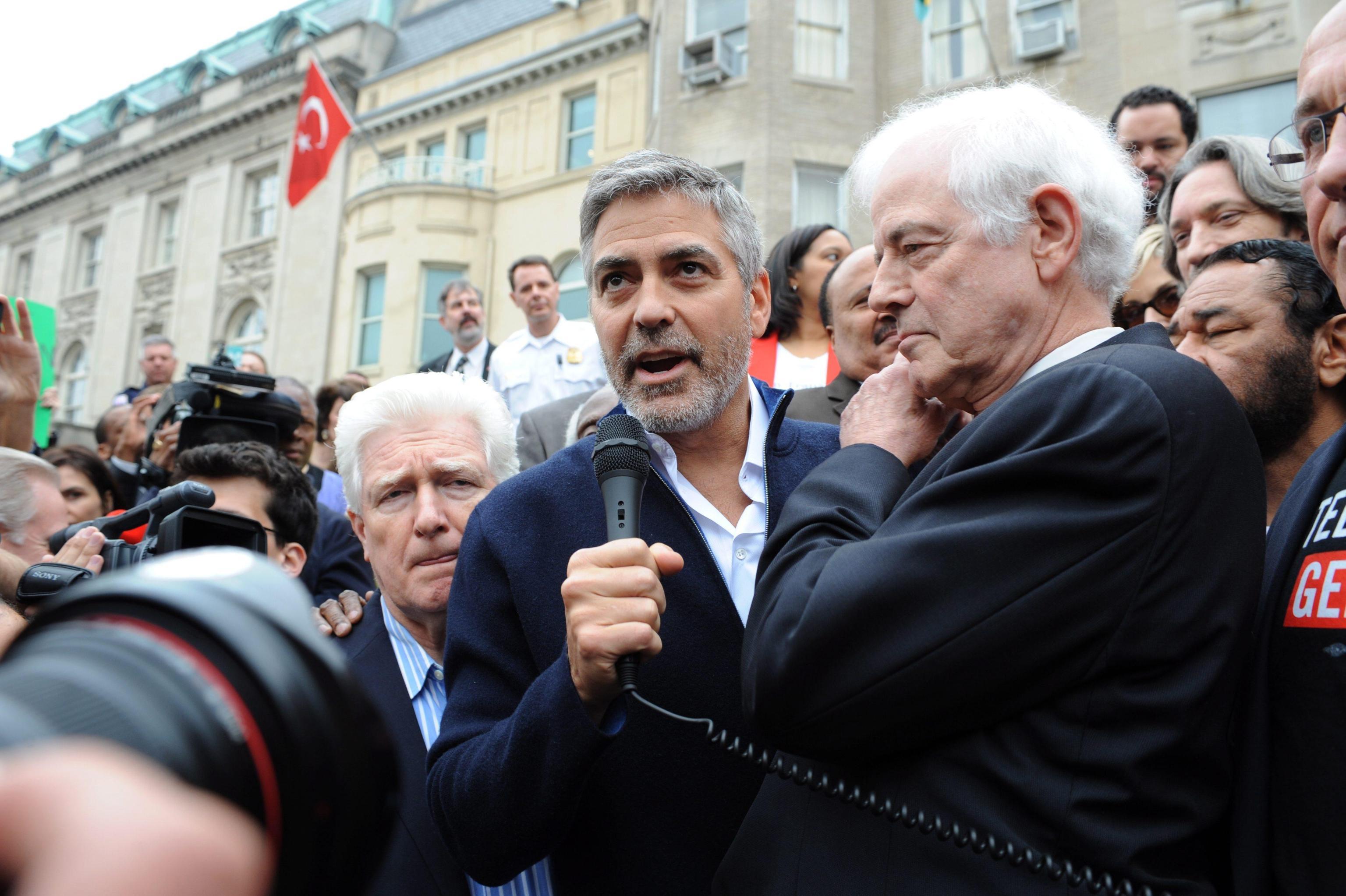 Il papà di George Clooney parla dei gemelli: ecco come sono fatti