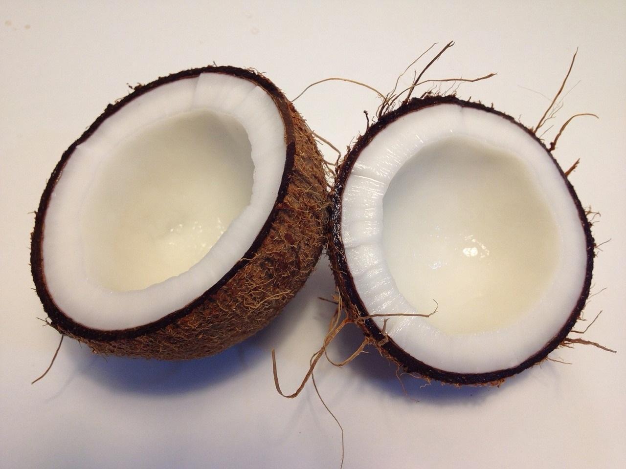 Olio di cocco per dimagrire: falso mito o verità?