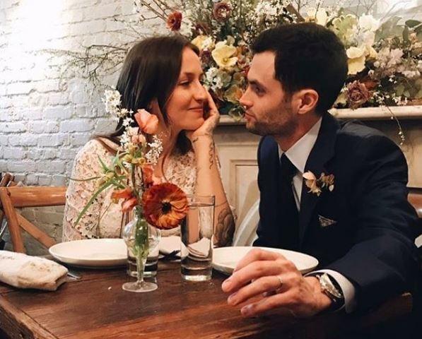 Penn Badgley di Gossip Girl si è sposato di nuovo