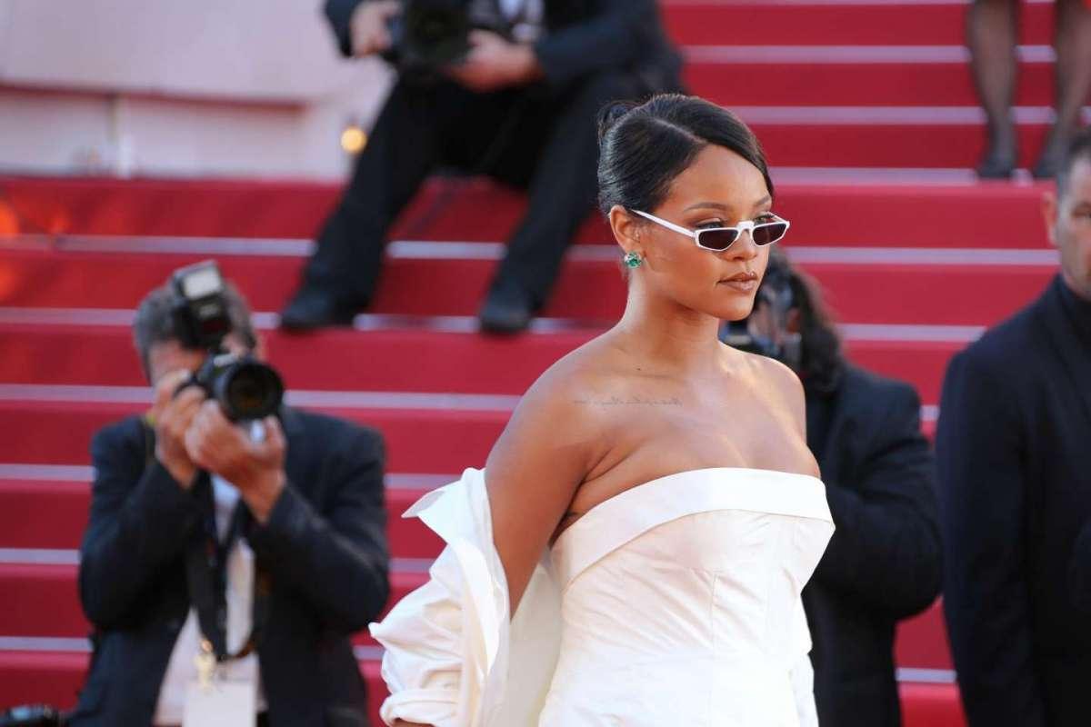 Rihanna risponde su Instagram alle polemiche sul suo peso