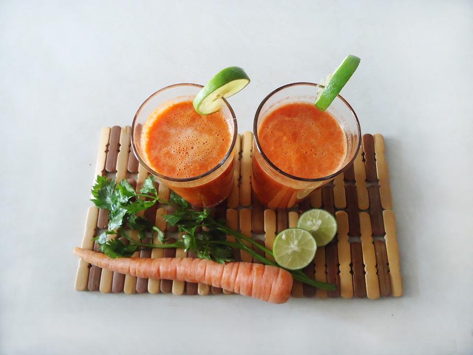 smoothie frutta carote
