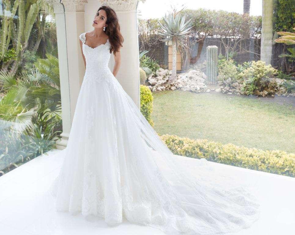Abito da sposa ampio Alessandra Rinaudo