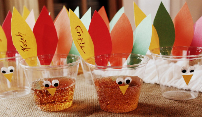 Bicchieri di plastica decorati
