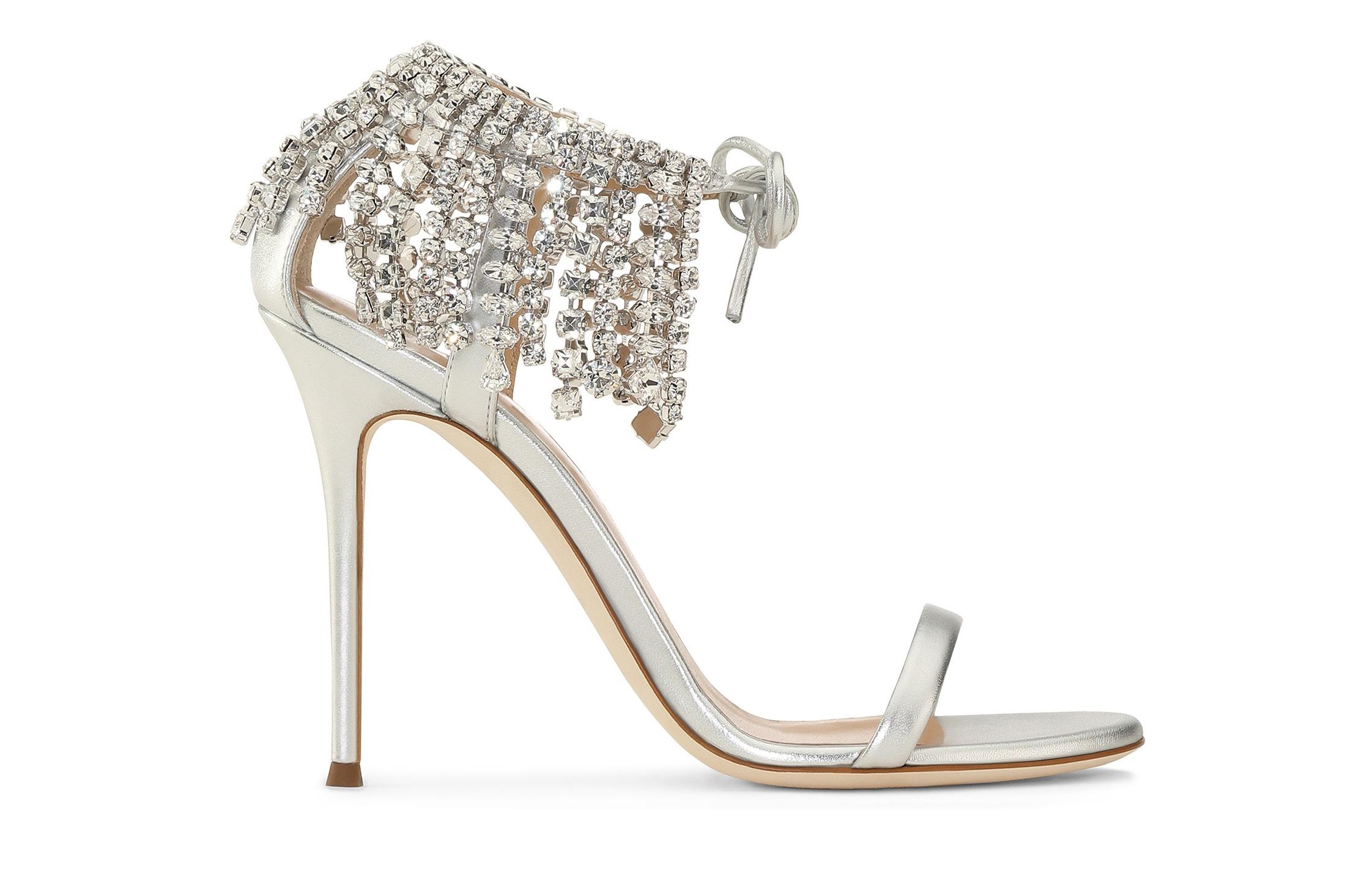 cd92654e3df802 Sandali gioiello argento Giuseppe Zanotti con inserti lungo la caviglia