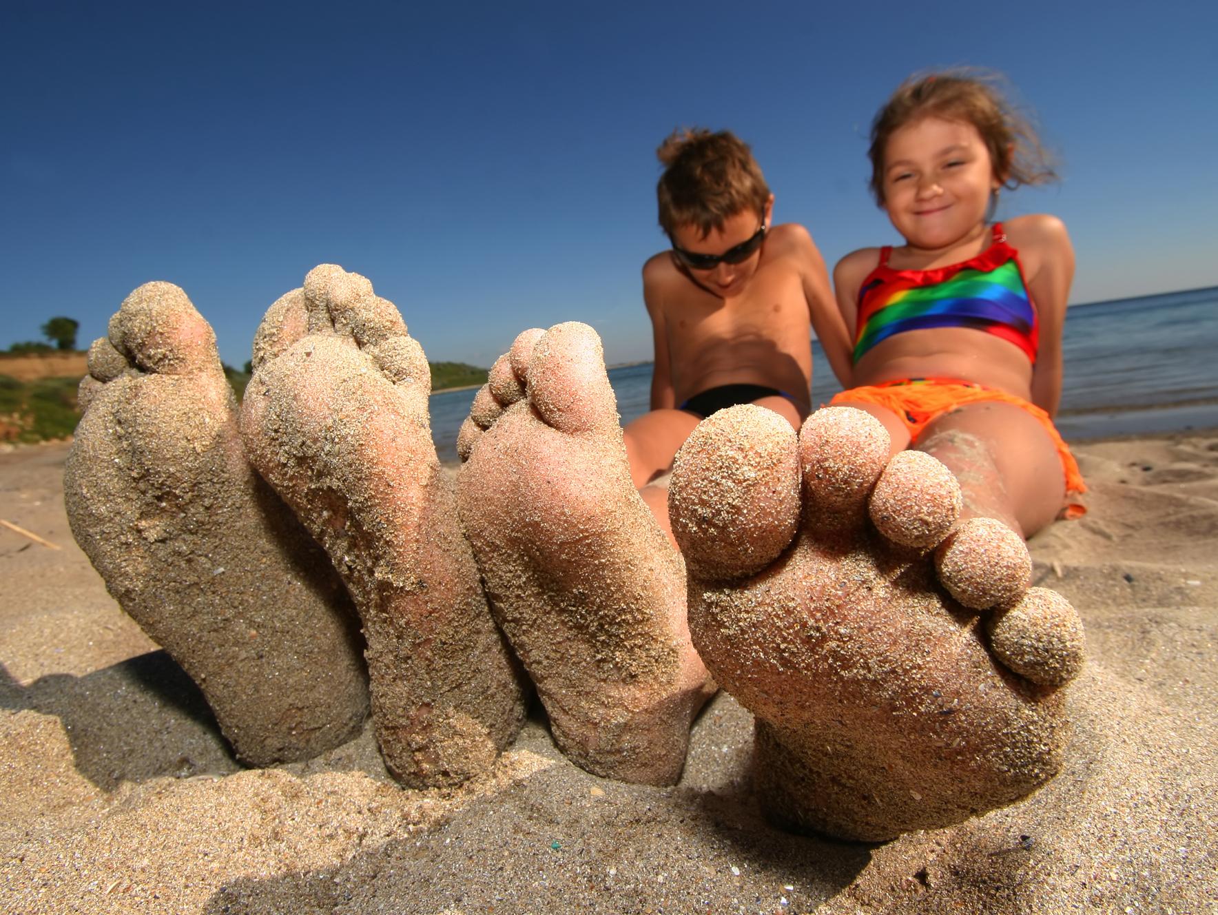 Infezioni da sabbia: precauzioni per i bambini in spiaggia