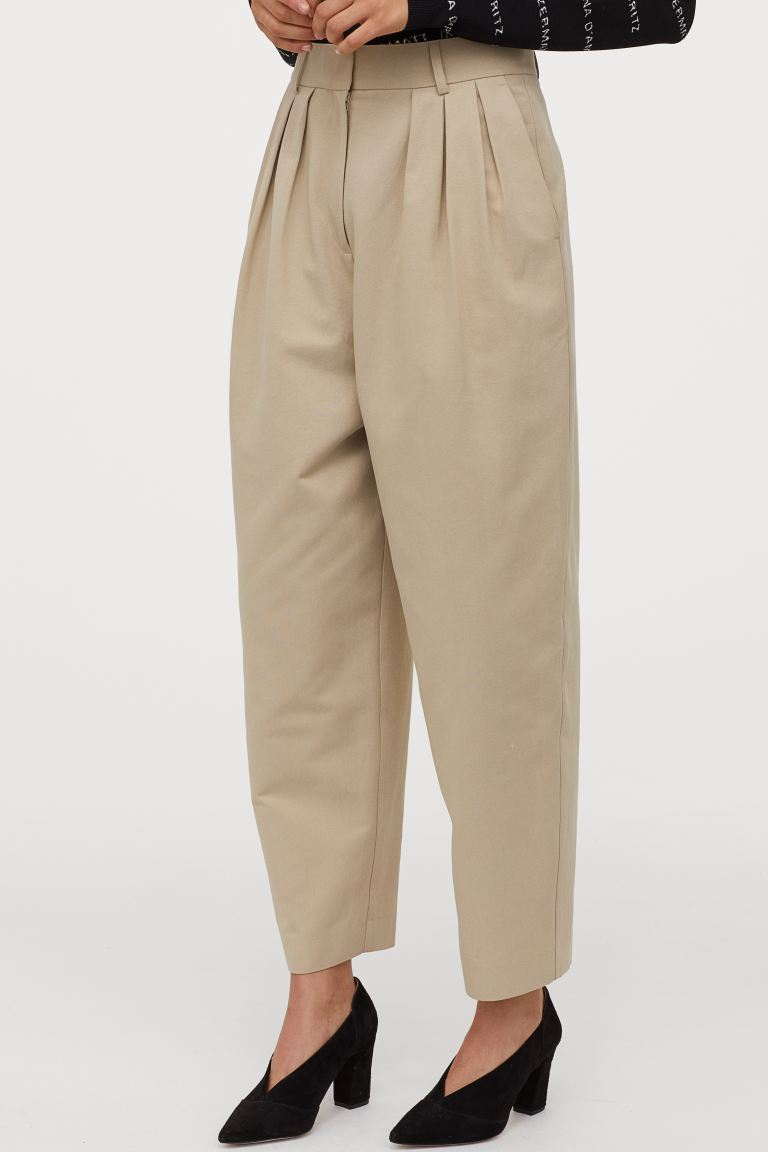 Pantaloni ampi H&M misto lyocell. Prezzo: 49,99