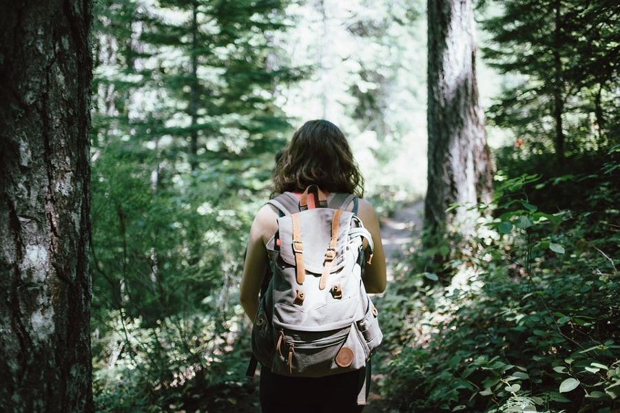 Trekking in montagna, l'abbigliamento giusto per un'esperienza nella natura