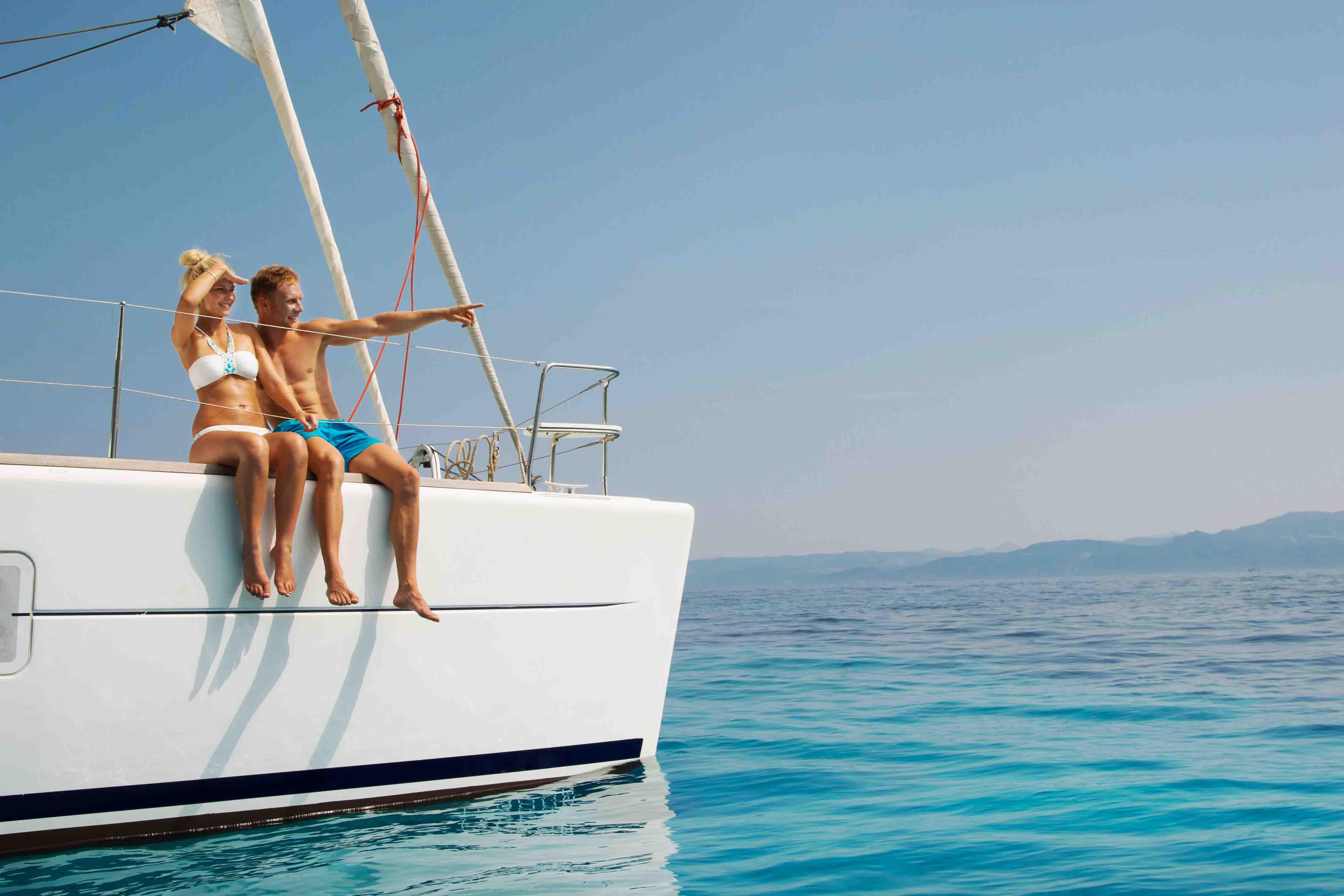 Vacanze in barca a vela: le mete più belle e le idee più originali