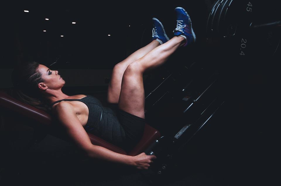 Esercizi per gambe snelle: i migliori da fare a casa