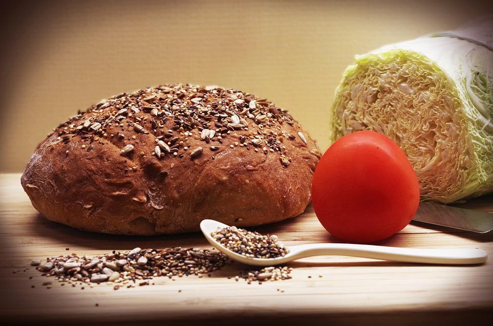 semi di lino insalata pane