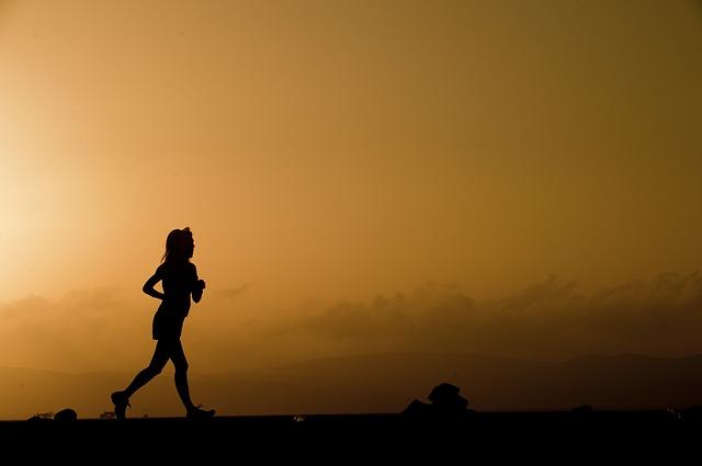 Fare sport con il caldo: i consigli per mantenersi in forma d'estate