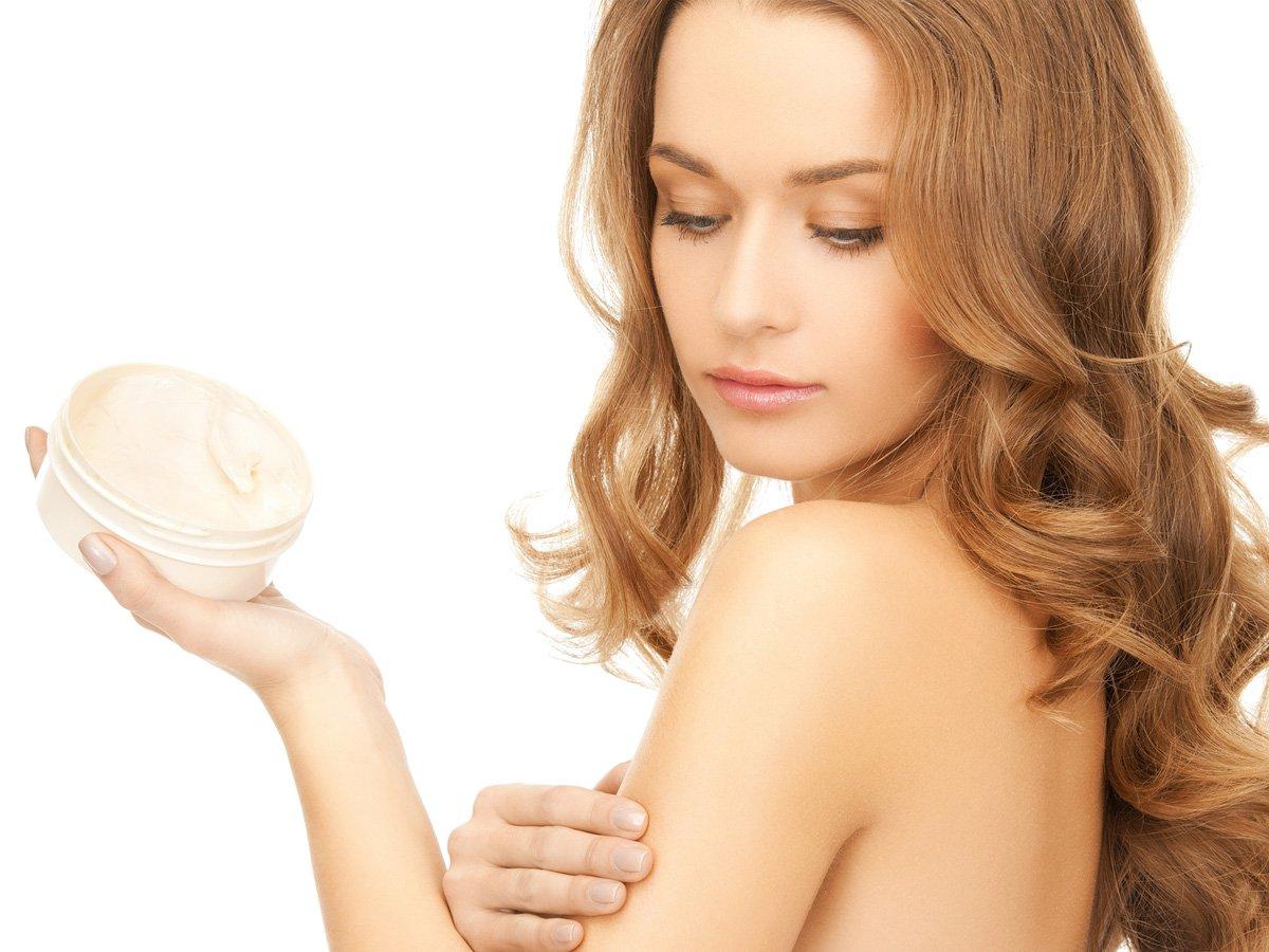 Come curare la pelle dopo l'estate, prodotti e consigli beauty per un incarnato luminoso