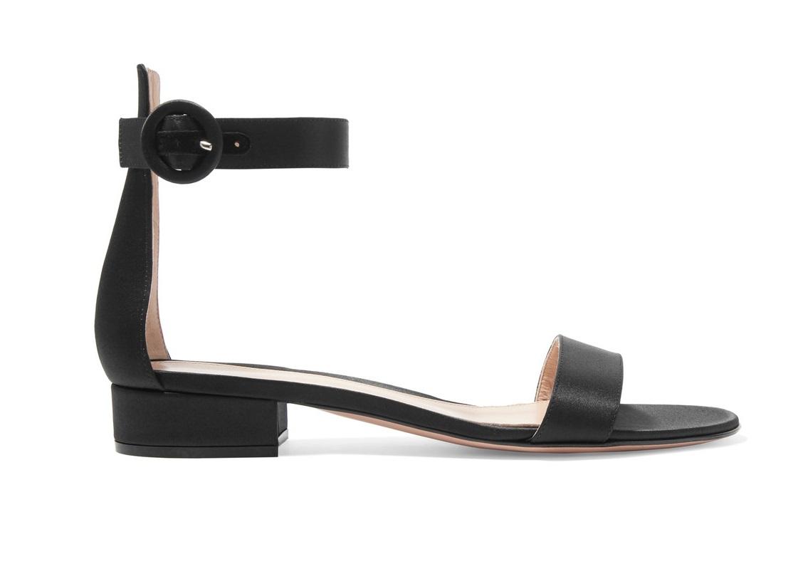 Sandali bassi eleganti e senza tacco  i modelli più belli  c2e28f5c1f6