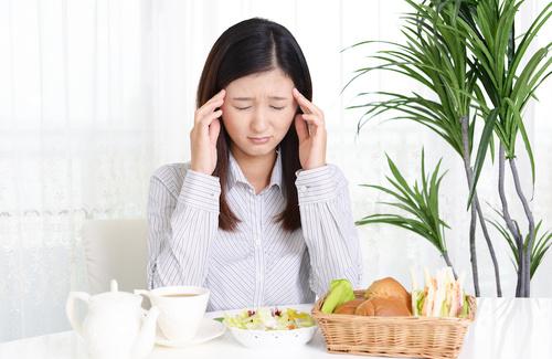 alimentazione contro il mal di testa da ciclo
