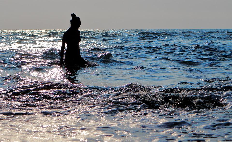 camminata acqua mare
