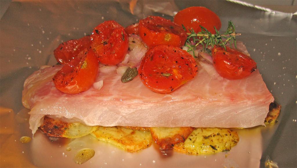 orata al cartoccio con pomodorini ricetta light
