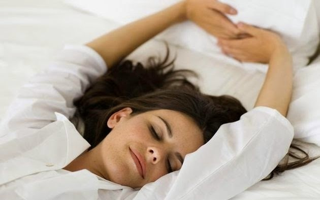 riposo contro il mal di testa da ciclo