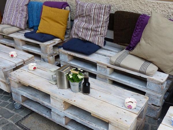 Divani e tavolini in pallet legno