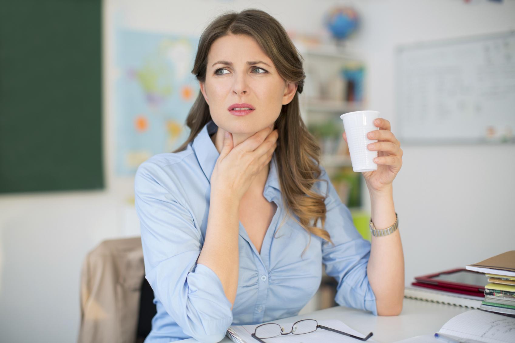 Mal di gola: cause, rimedi naturali e cure