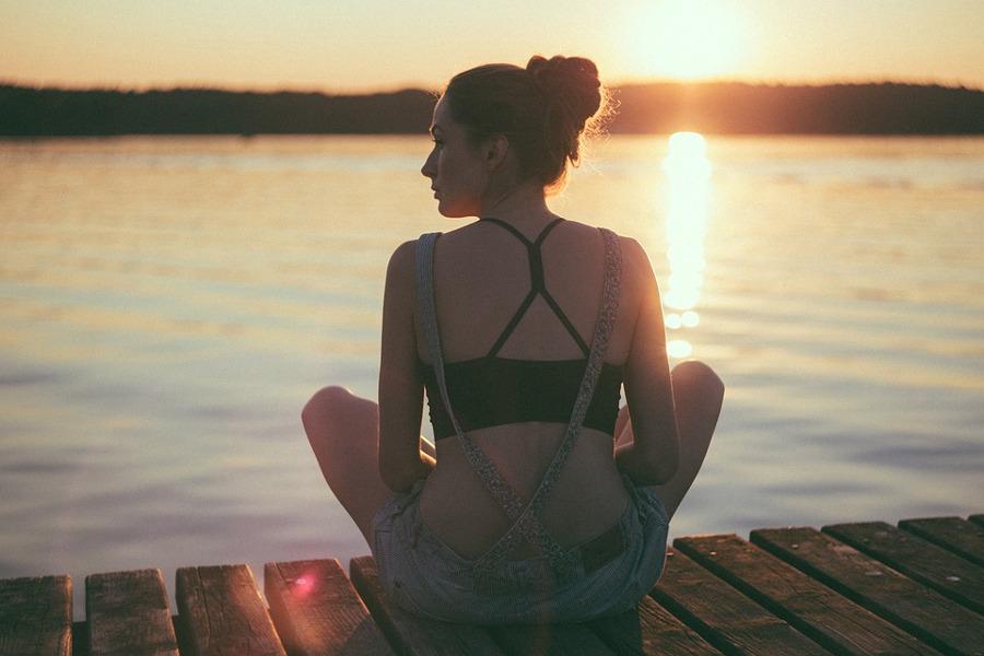 Meditazione donna