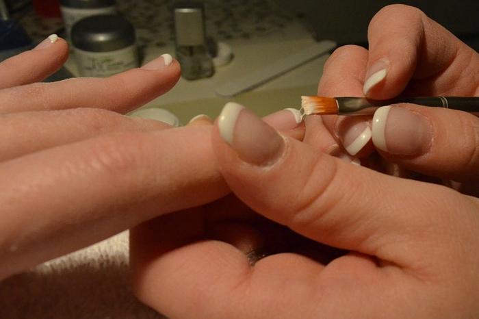 ricostruzione unghie gel trifasico
