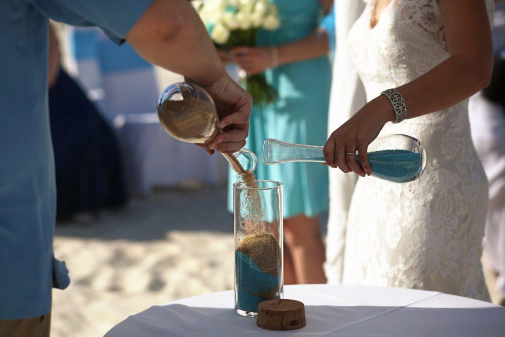 Matrimonio Simbolico Rito Della Sabbia : Matrimonio simbolico cos è come funziona i riti e