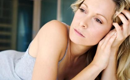 Menopausa precoce: le cause, i sintomi e le terapie da seguire