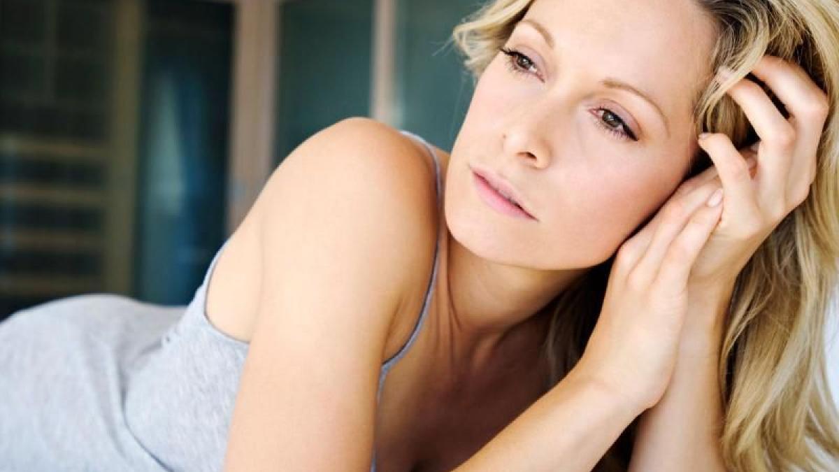 Menopausa precoce le cause i sintomi e le terapie da seguire