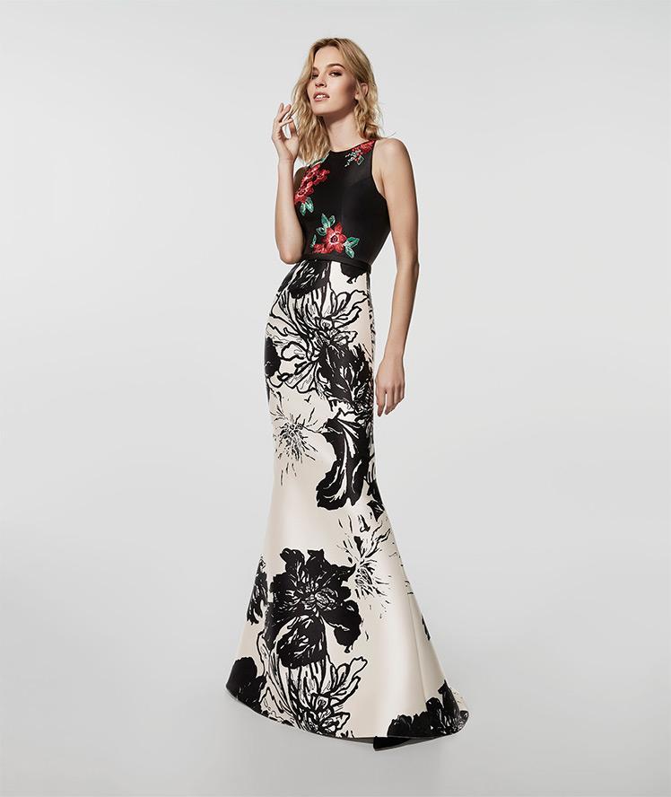 4678b689625b6 Gli abiti da cerimonia lunghi a sirena più eleganti. Abito a sirena a fiori  Pronovias