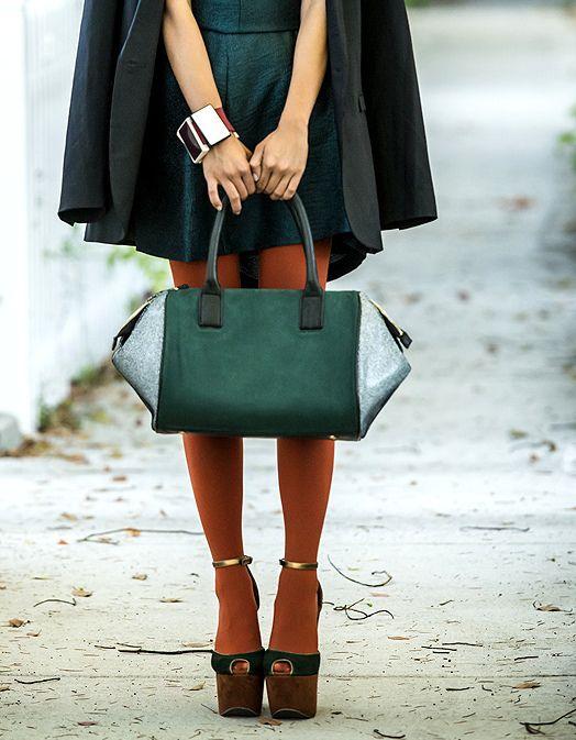 Come abbinare i collant colorati a vestiti e scarpe