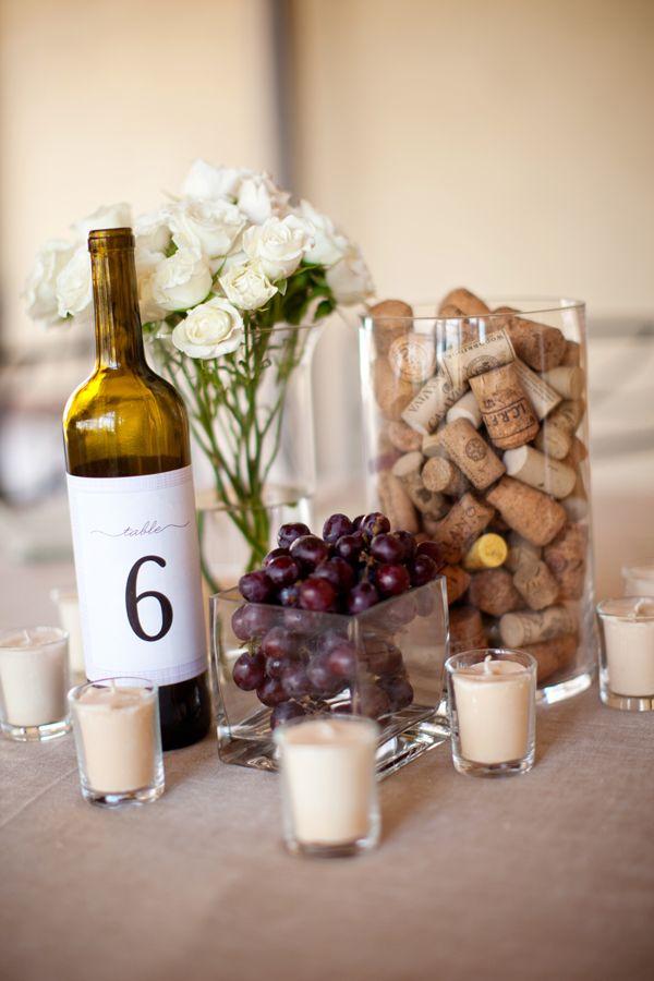 Composizione centrotavola a tema vino
