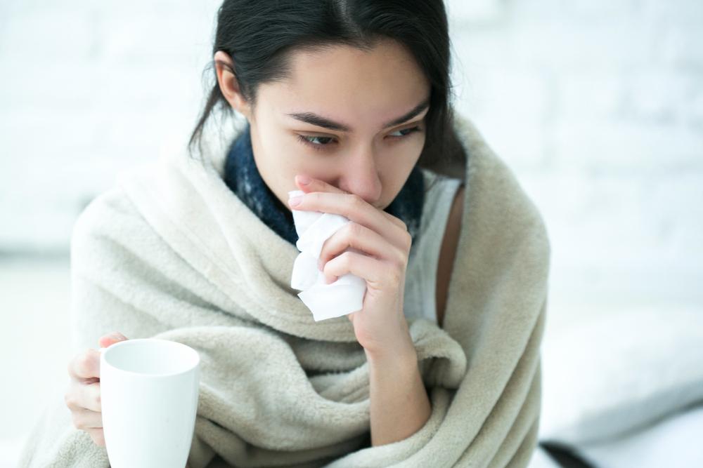 Raffreddore: sintomi, cure e rimedi naturali