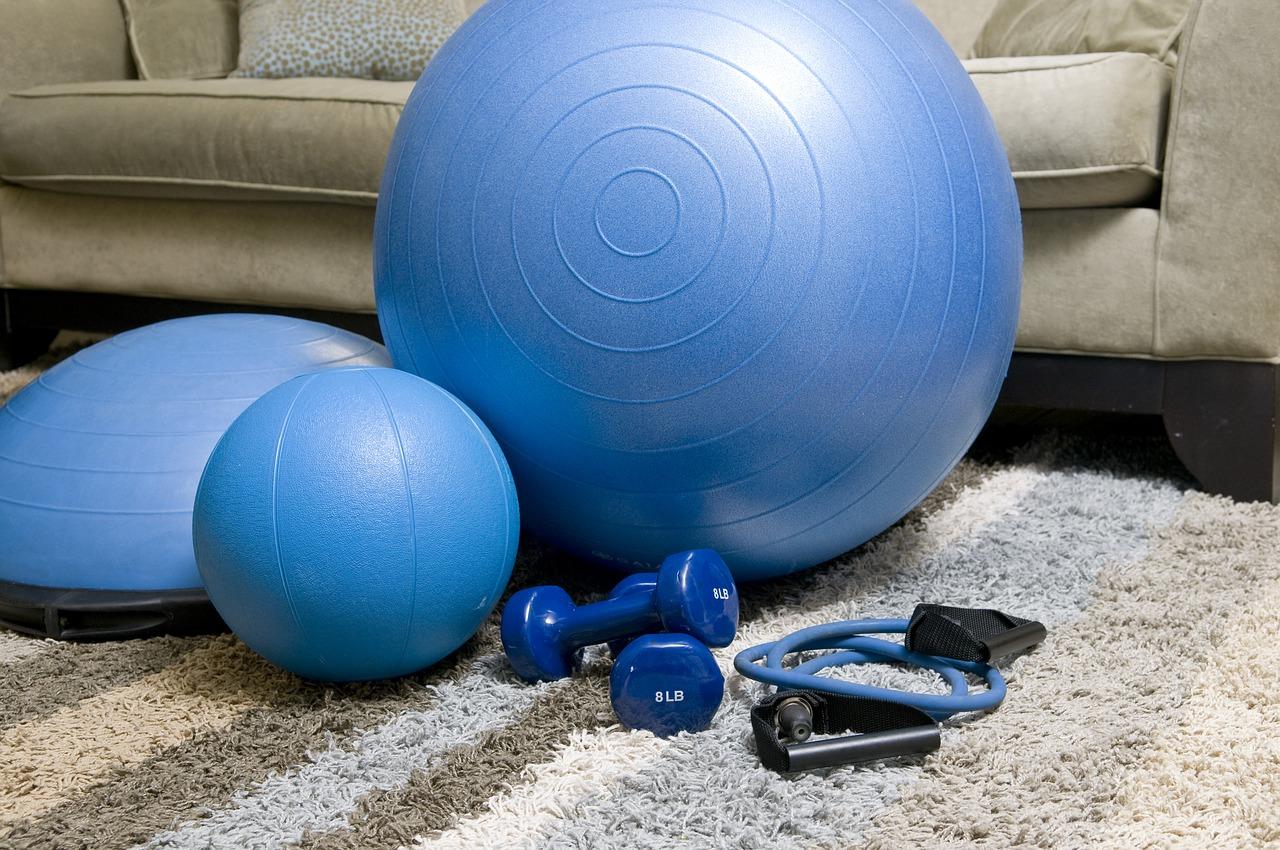 Allenamento mattutino a casa: consigli per mantenersi in forma