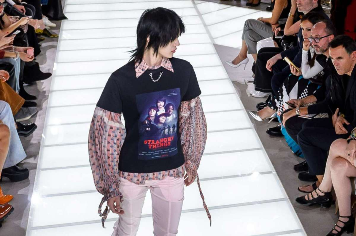 Louis Vuitton lancia una t-shirt di Stranger Things alla Paris Fashion Week