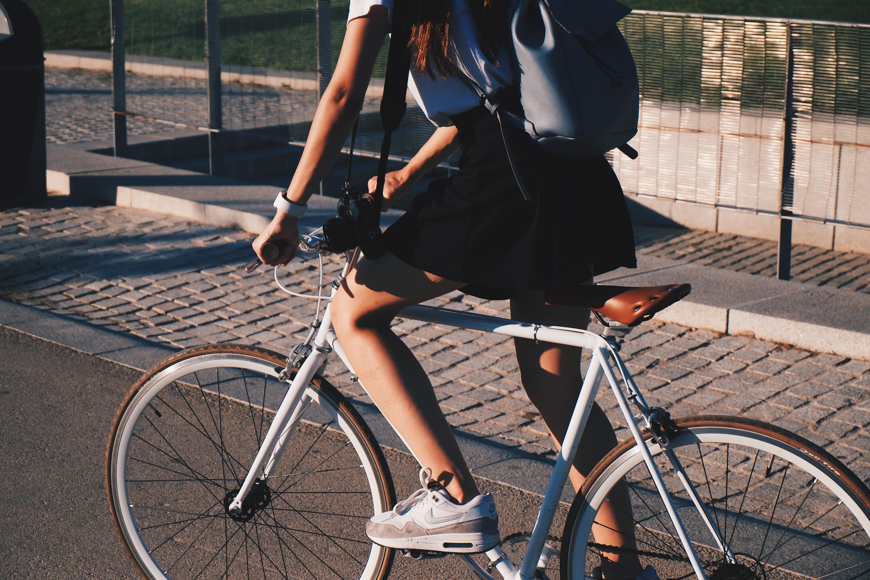 Bicicletta per dimagrire glutei, gambe e pancia: trucchi e consigli