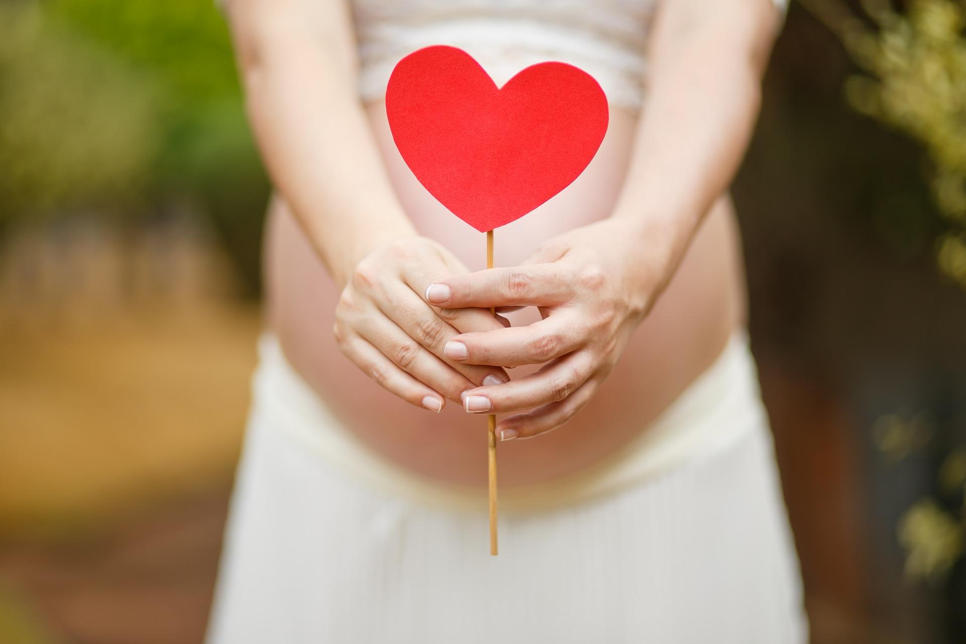 Candida in gravidanza: cosa fare, i rimedi e la terapia
