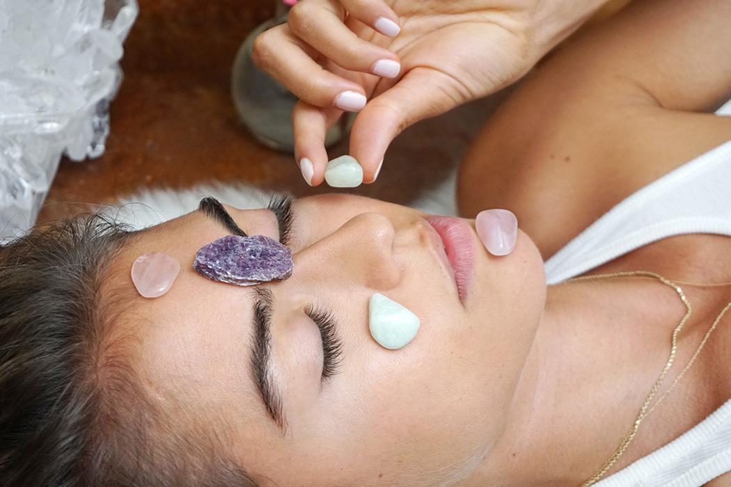Cristalli e benefici per la bellezza: come usarli a casa